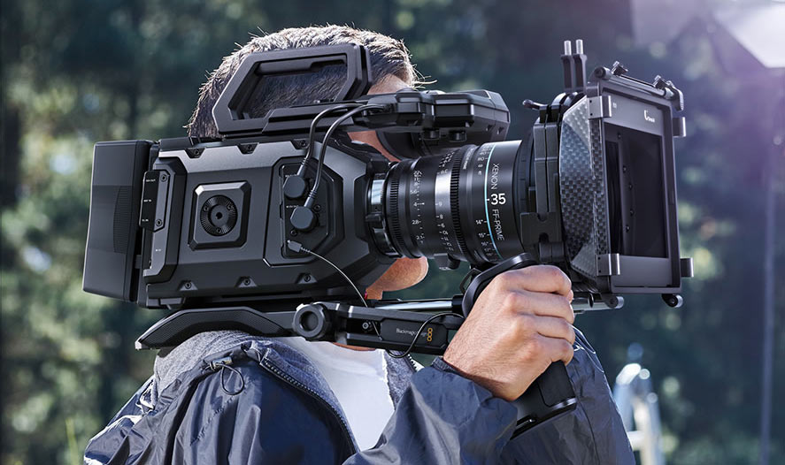 ursa mini shoulder mounted