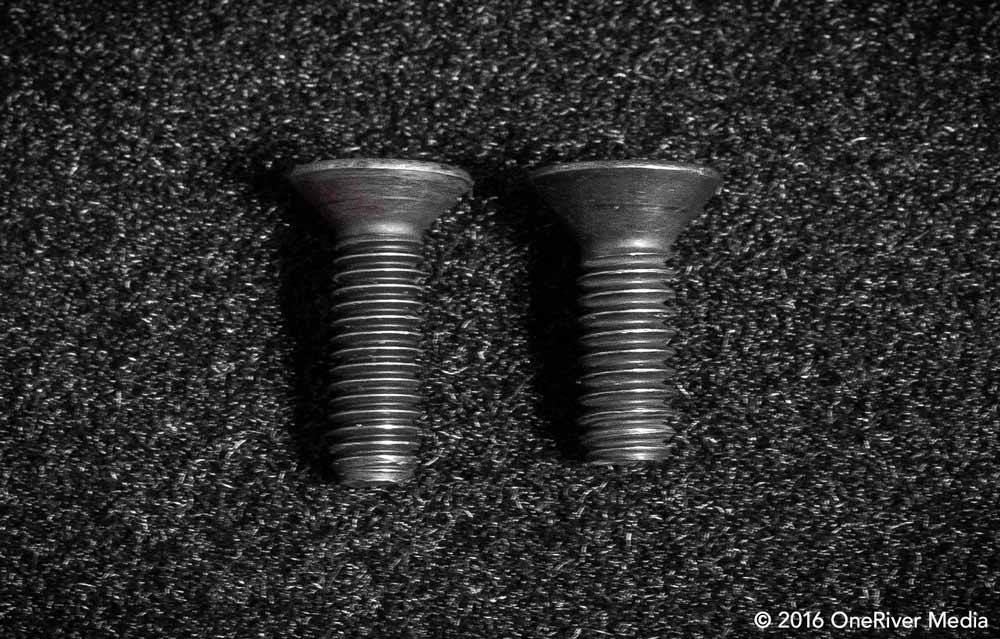 "Note the difference in the threads between the M6x20 metric screw on the left and the 1/4""-20 imperial screw on the right. For this setup, you'll need the M6x20 metric screw."