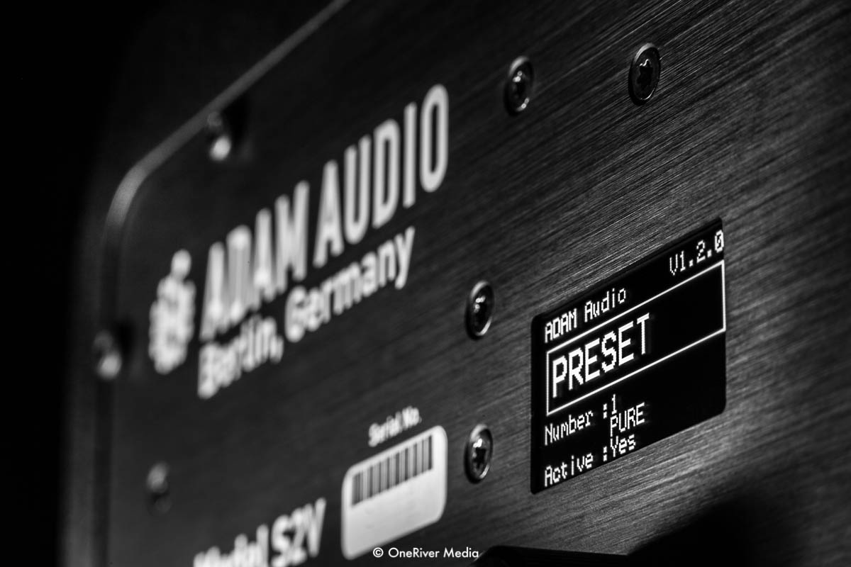 ADAM Audio S2V OLED Screen