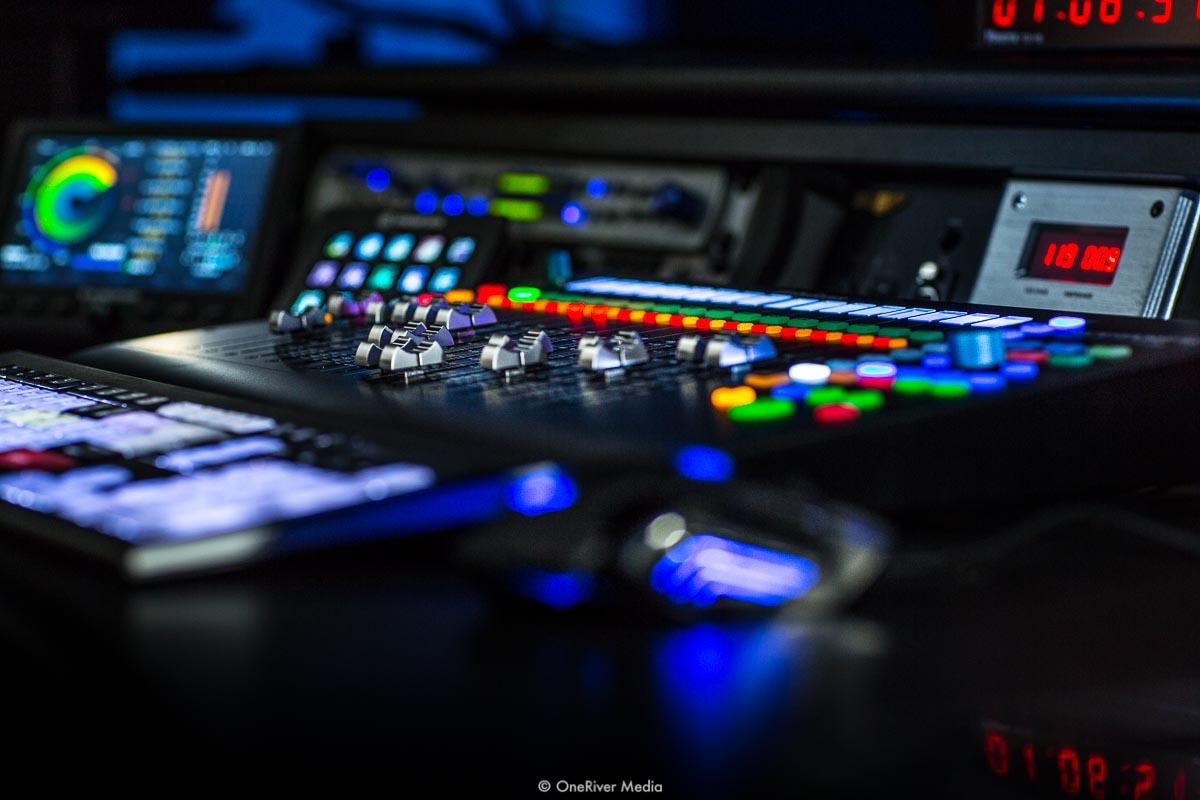 PreSonus Faderport 16 in OneRiver Media Hybrid Suite
